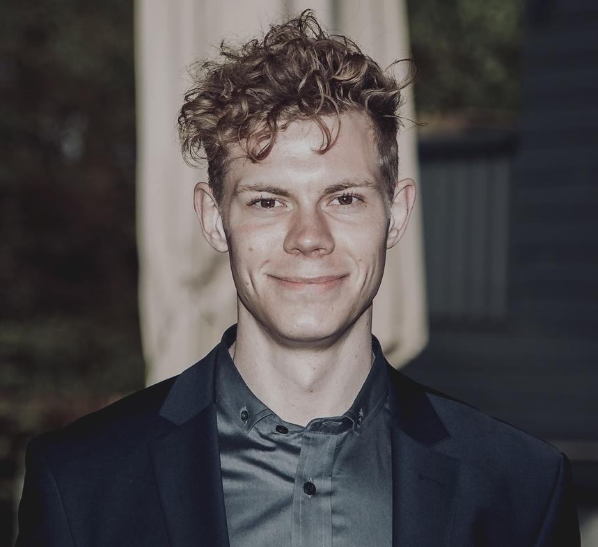Christian Dahl Restorff - StudentermedhjælperE-mail: cdr.mpp@cbs.dkTlf.: +45 21 41 82 66Christian studerer HA Almen Erhvervsøkonomi ved Copenhagen Business School og er studentermedhjælper på Center for Civilsamfundsstudier.