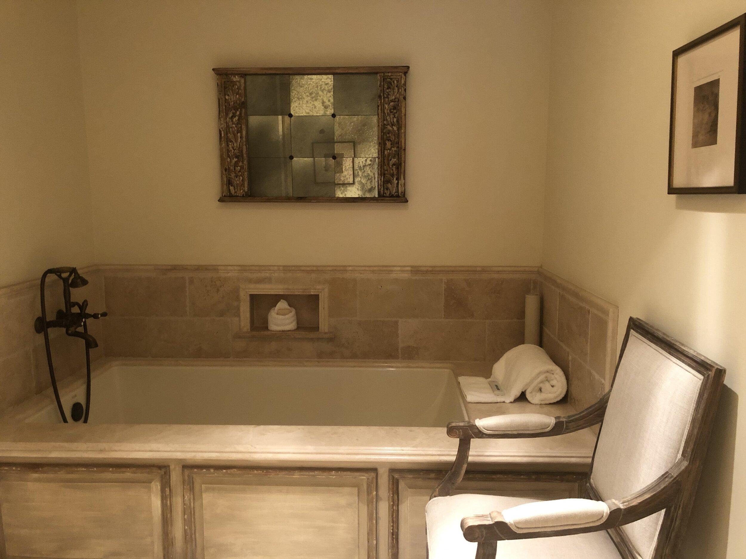 suitebath.jpg