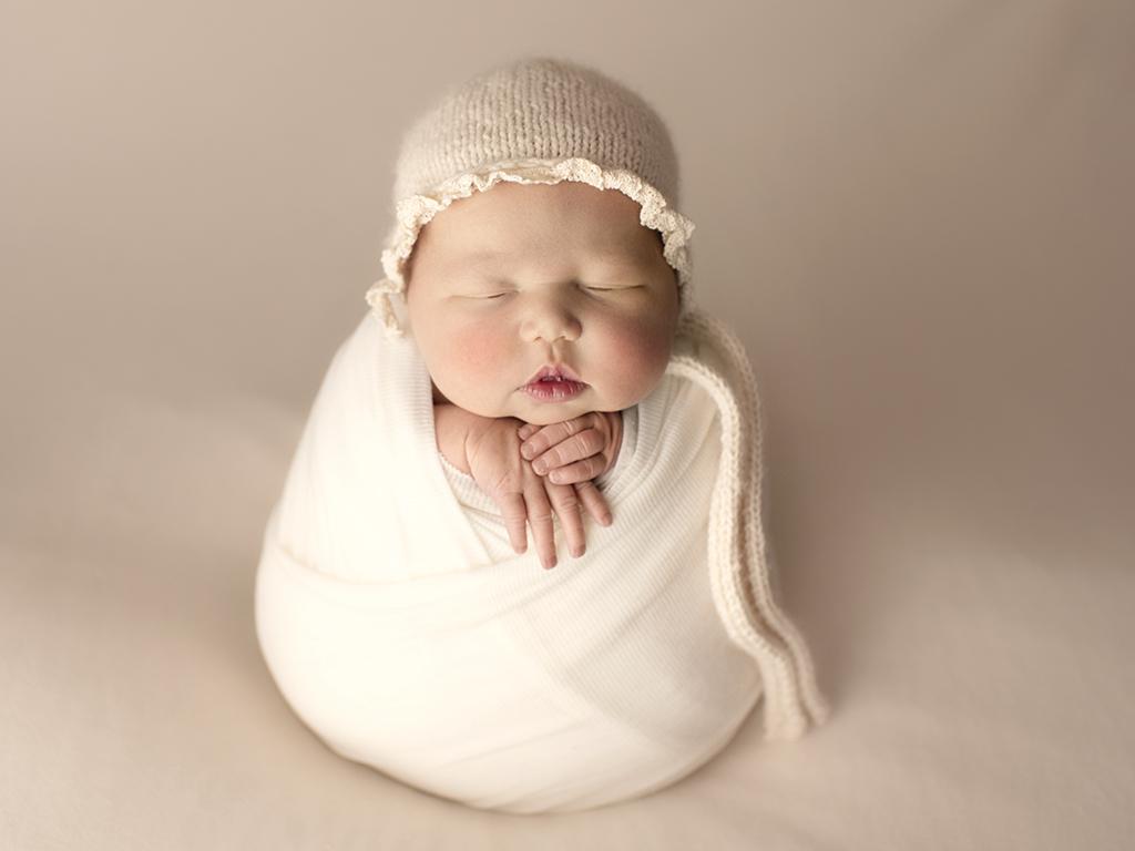 newborn-portrait-calgary.jpg