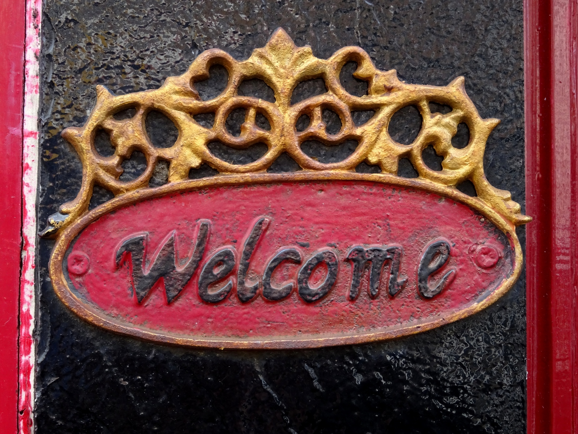 welcome-plate-on-doorway.jpg