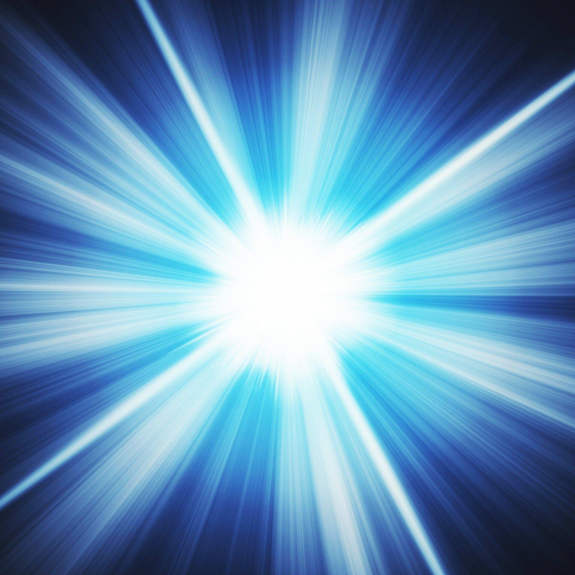 light-734436_1920.jpg