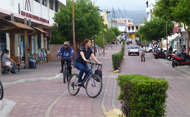 Bicycle lane, Puerto Ayora