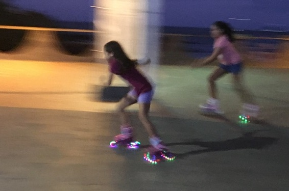 Skating down the reduced-speed Avenue Charles Darwin, Puerto Ayora