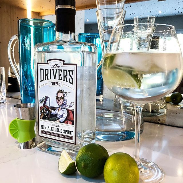 All this sunshine has got us thinking about Tipple O'clock! Serve it simply over ice, tonic and a slice of lime, in your favourite glass, and bottoms up! All the botanicals provide flavour of a classic G&T, minus the alcohol- cheers! . . . #designateddriver #thedriverstipple #nonalcoholic #tippleandtonic #soberlife #teetotal #healthylifestyle #ww #sugarfree #zerocalories #glutenfree #veganfriendly #limes #ginoclock #mocktail