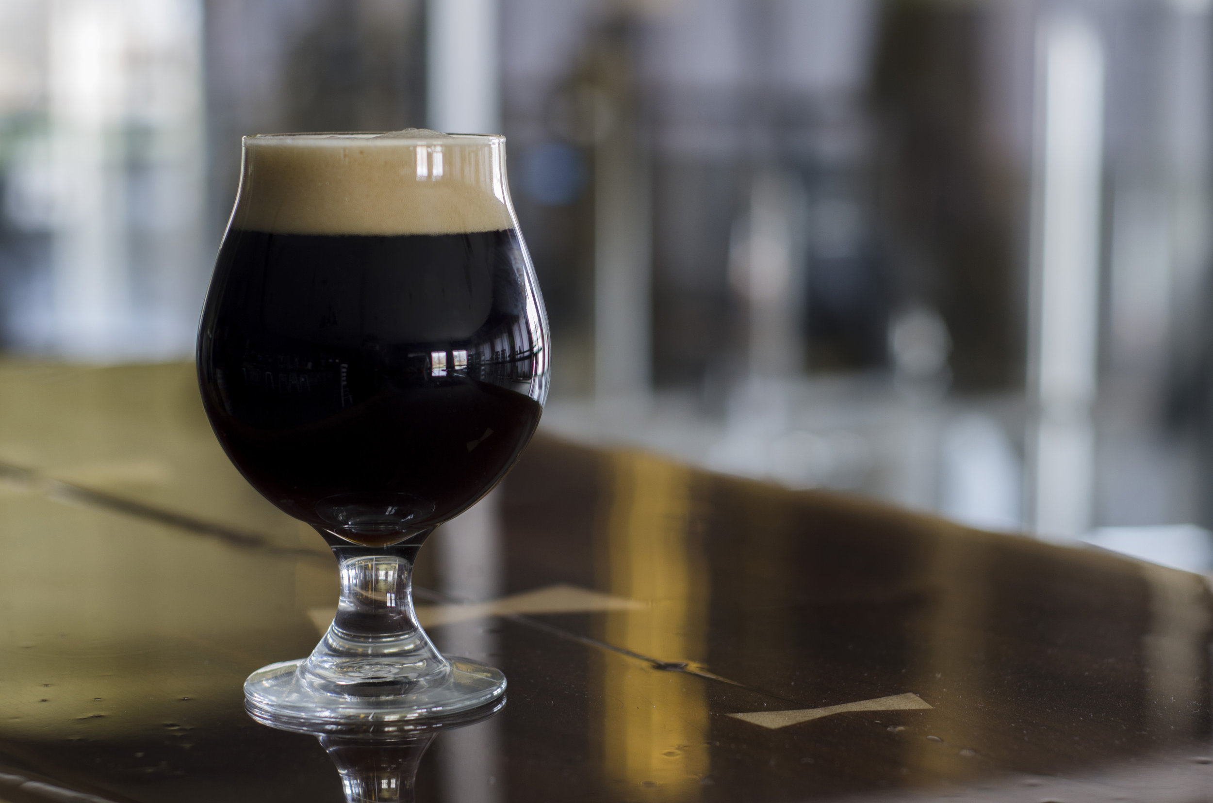 Waterspout Stout - Milk Stout, Brewed With Coffee and Cocoa Nibs  6.5% ABV 42 IBUA smooth light-bodied stout with hints of Toffee, Coffee & Chocolate. Brewed with Highlander Grogg Coffee and imported cocoa nibs.