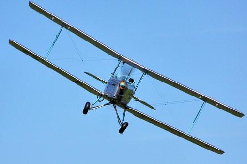 biplane-438466__340.jpg