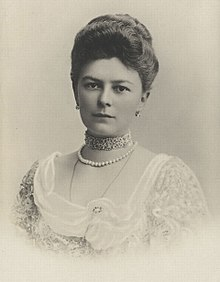 220px-Sophie,_Duchess_of_Hohenberg_1868.jpg