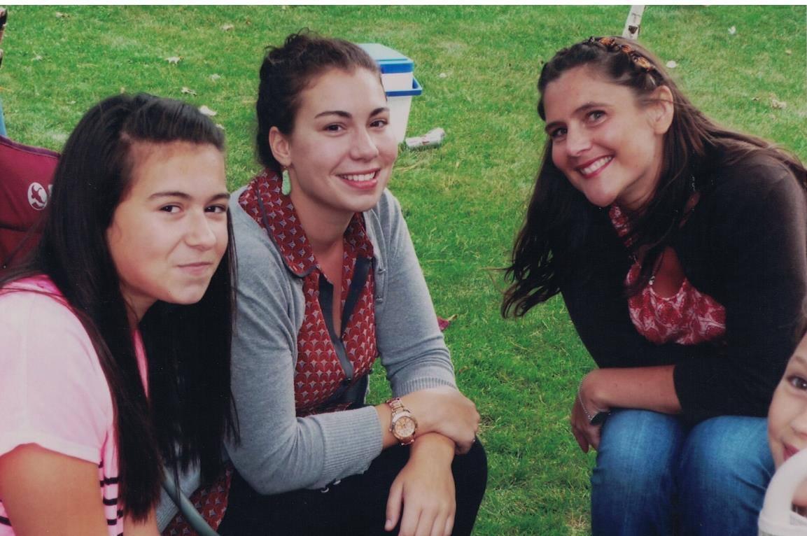 2012 - Bella, Elena and Beth
