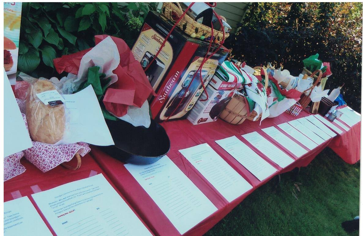 2011 - the Auction Table