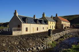 The Sail Loft - Self catering accommodation, recently awarded 4 star hostel status by Visit Scotland.The Sail Loft, Back Green, Portsoy, Aberdeenshire. AB45 2AFTel: +44 (0) 1261 842222Email: contact@portsoysailloft.org
