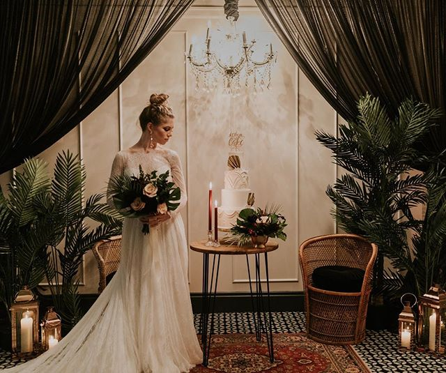 The launch of #ItsAWeddingParty @theelizajanenola was a huge success! Join us @capuletbywater on 11/18/18 for the next one. #LinkInBio for tix Designer: @ellerjaeevents @letthemeatcakepodcast Florist: @leafandpetalnola Furniture: @lovegoodrentals Greenery + Candlelight: @fireflyambiance Tableware + Chandelier: @eventrental Photo: @cjjrphoto Videographer: @eskimolovestories Uplights: @gloweverywhere  Cake: @nolasweetlife Makeup: @arjiapmua  Jewelry: @jcolemandesigns Dress: @weddingbellesnola Stationary: @blissandbone  Calligraphy: @letterandink