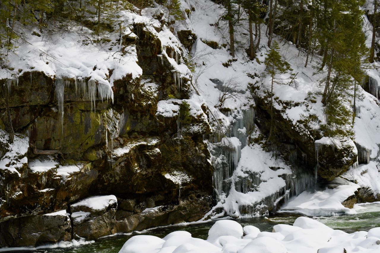 Ice on river.jpg
