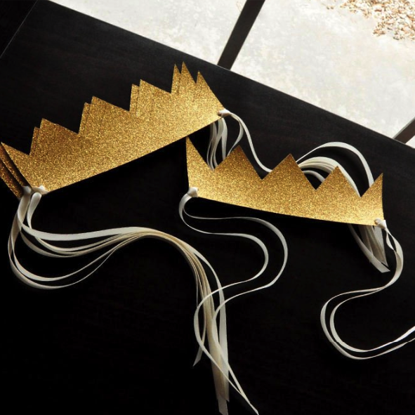 Yas Queen Paper Crowns