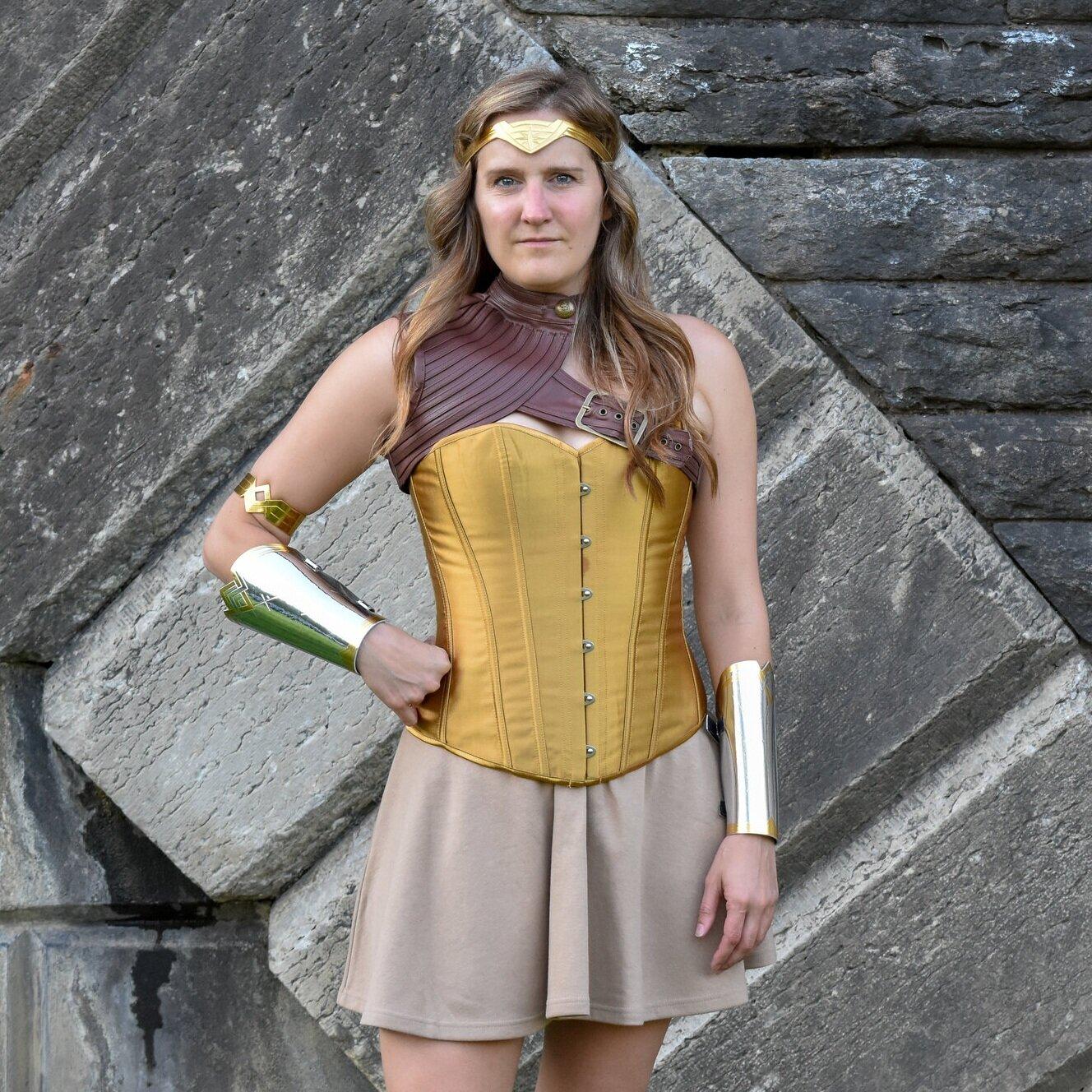 Super_Golden_Goddess_Front_DSC_3329.jpg