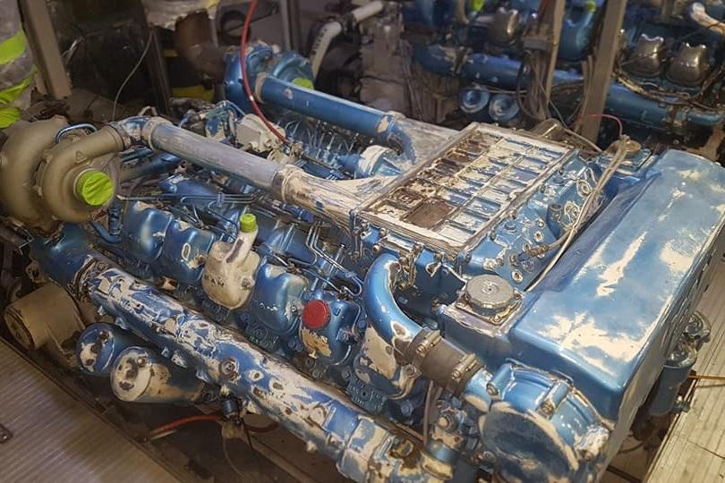 ENGINE REFINISHING PREPARATION & SANDING