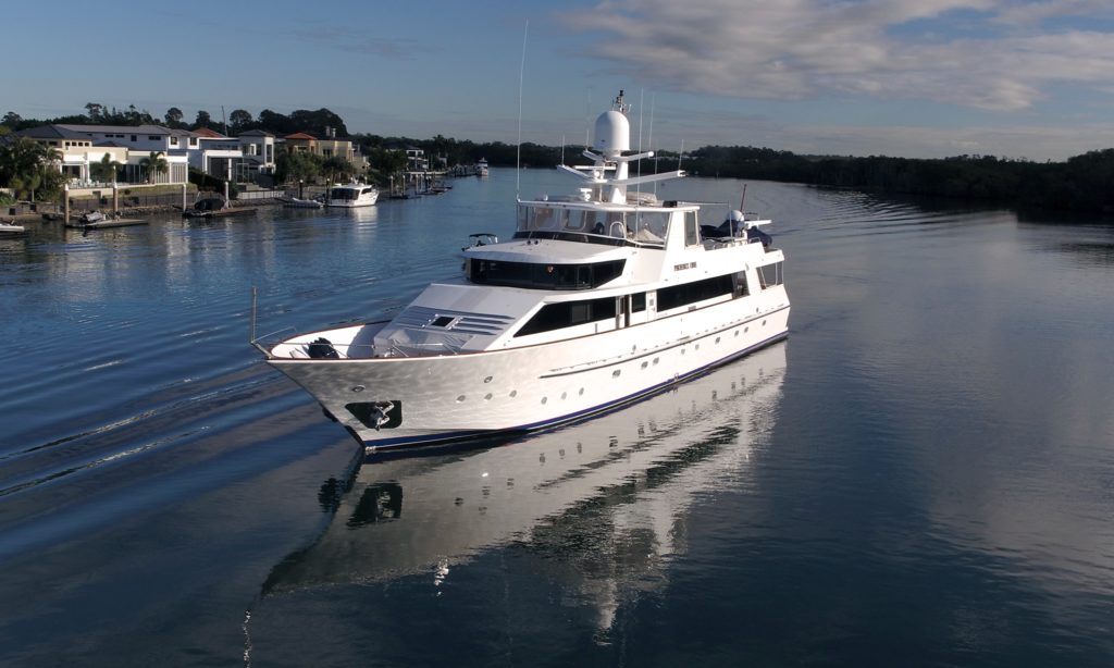 115ft Lloyds Luxury Motor Yacht