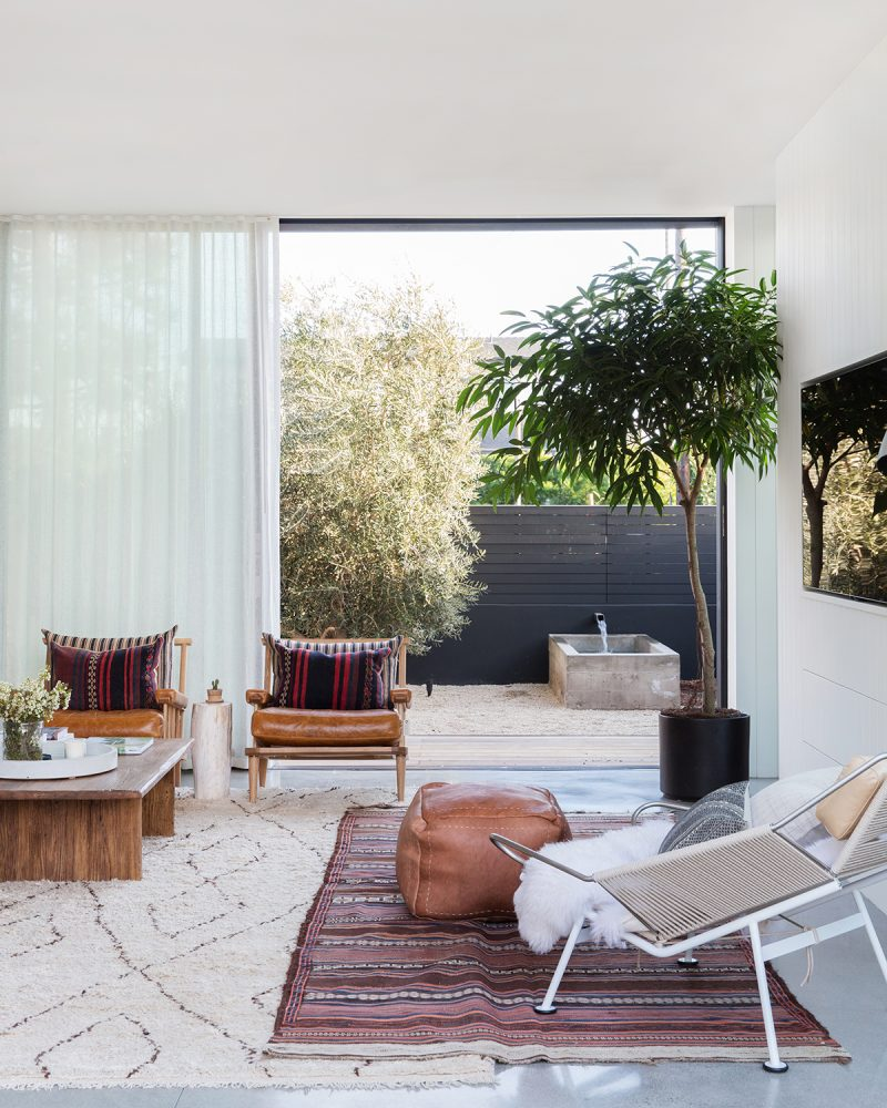 Interior Design by Amber Interiors. Image by Tessa Neustadt | amberinteriordesign.com