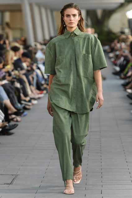 I am also loving this image from the recent fashion week in Australia. Loving this head to toe tonal look.