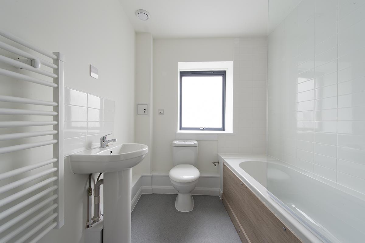 Hoegate St bathroom