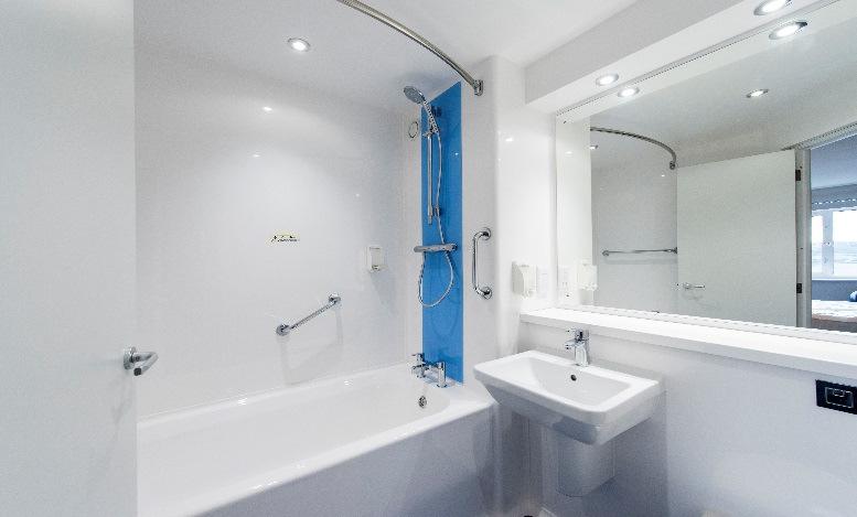 Travelodge hotel Southampton bathroom
