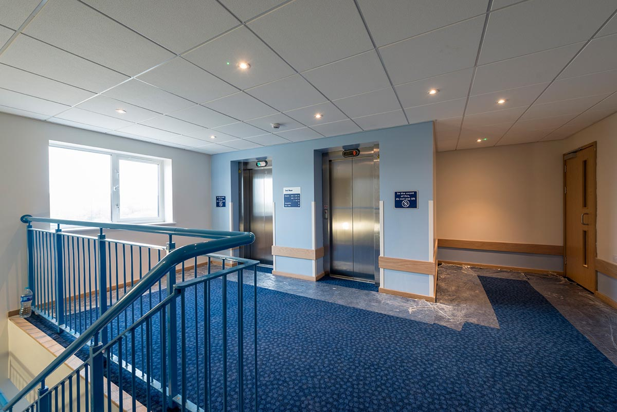 Travelodge hotel Weston-Super-Mare lifts