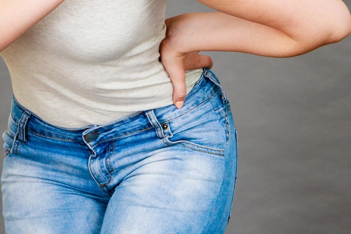 UROGYNÄKOLOGIE - Die Senkung (Deszensus) oder der Vorfall (Prolaps) der Gebärmutter und die oft damit einhergehende Inkontinenz sind ein häufiges Problem, typischerweise bei Frauen mittleren und höheren Alters. Resultierende Beschwerden können die Lebensqualität deutlich einschränken, bei bis zu 20% der betroffenen Frauen ist bis zum 80. Lebensjahr eine Operation erforderlich. .