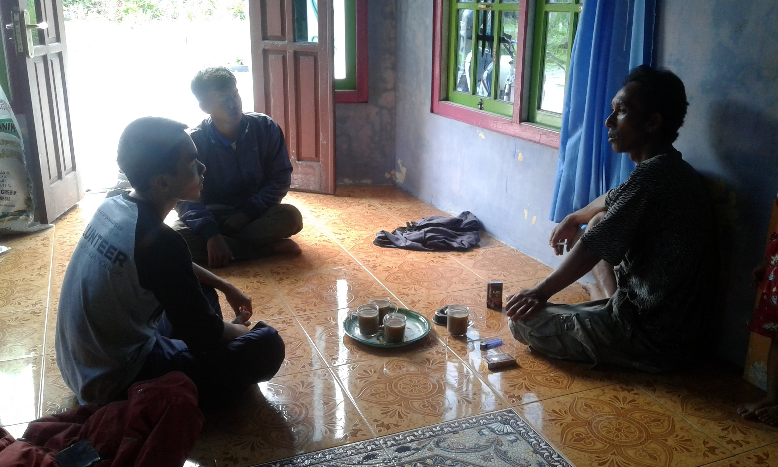 Discussions with land owners and Sukamara KPHP about planting sengon plants in community-owned gardens
