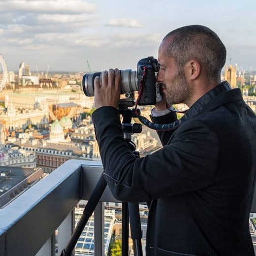 SAVE THE DATE! In the next edition of #citizensofLondon we'll be joined by James Burns @londonfromtherooftops London's resident rooftop photographer. Born and raised in North London, James has been documenting London from above for over a decade gaining access to some of London's tallest buildings and structures for a view of the city that few have seen. Come along and find out more about Jame's journey into becoming photographer, discover some of the best accessible rooftops around the city and hear tips and tricks on how to improve your own photography skills.  Date: October 8th Time: 7:00 – 8:30PM, Venue: cloudM (rooftop!), citizenM Tower of London, EC3N 4DJ. Free - eventbrite link to follow (Photo credit: urban-hub.com) #london #lovelondon #londonfromabove #londonview #thisislondon #citizensoflondon #igerslondon #photography #rooftop #explore #light #talk #londonevent #londoner #londonist #timeoutlondon #london4all #community