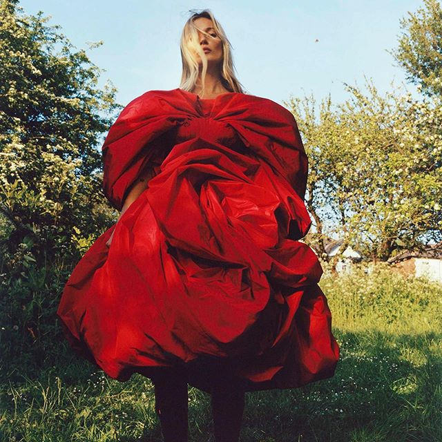 The grey weather has got us looking at some of the beautiful AW19 campaigns for wardrobe inspiration. Kate Moss for Alexander McQueen is just perfect!