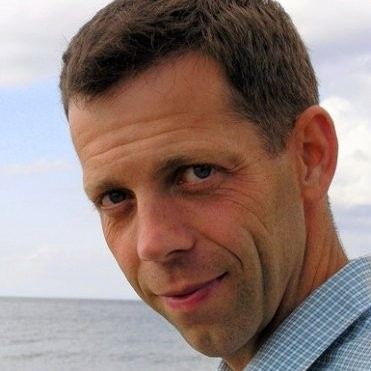Henrik Kok - NATURLIGT VISNaturligt Vis drivs av Henrik Kok, leg.sjukgymnast och leg. psykoterapeut med KBT-inriktning. Han är en av ett fåtal i Sverige som är utbildare i mindfulnessbaserad kognitiv terapi (MBKT) och har även lång erfarenhet av arbete med stresshantering, avspänning och mental träning. Erbjuder även föreläsningar och kurser inom mindfulness-baserad metodik såväl som individuell terapi och handledning.www.naturligt-vis.se