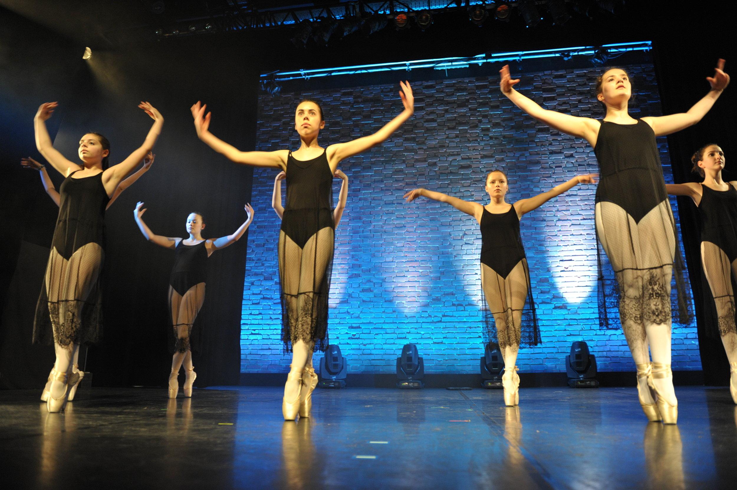 Cuatro-C Tanzstudio München | Ballett Hip Hop Boxing Yoga
