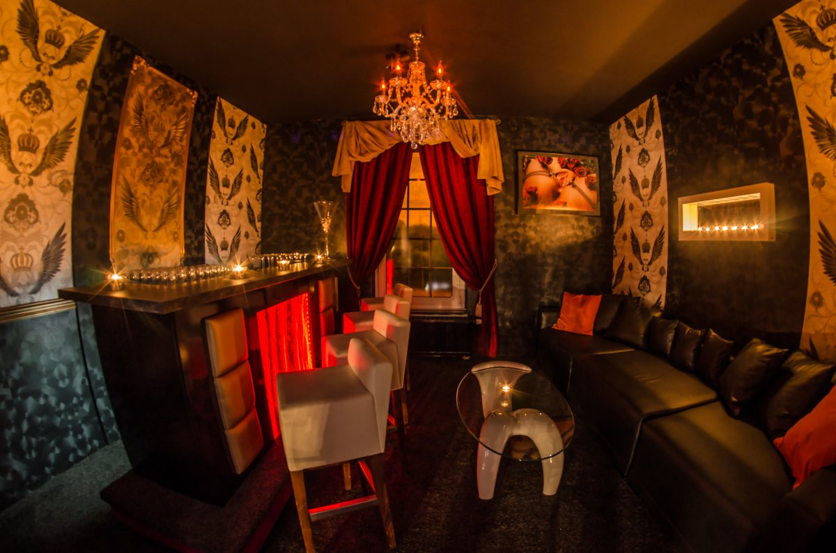 Champagne Bar in the Club Life
