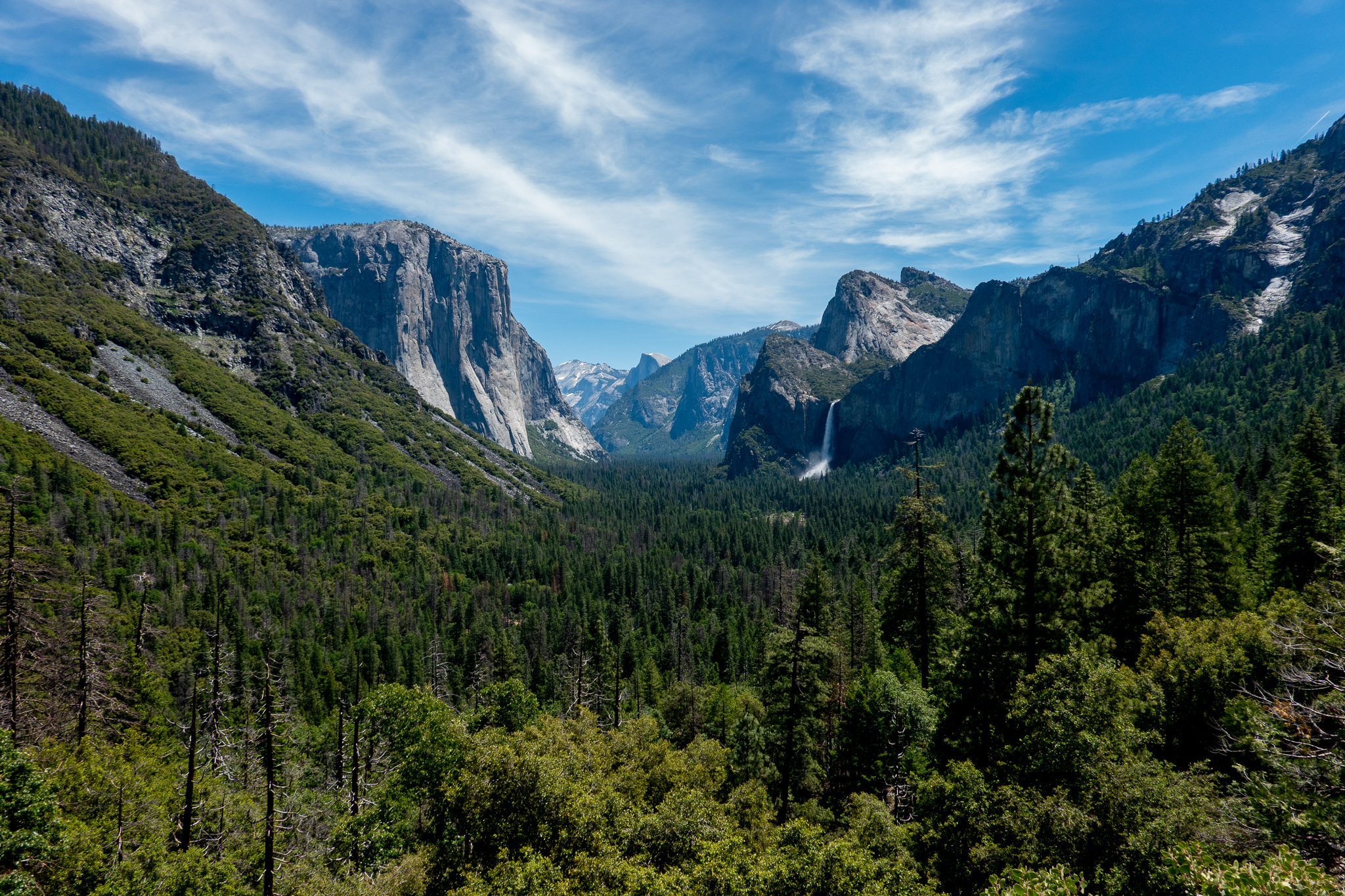 Tunnel View Yosemite Valley.jpg