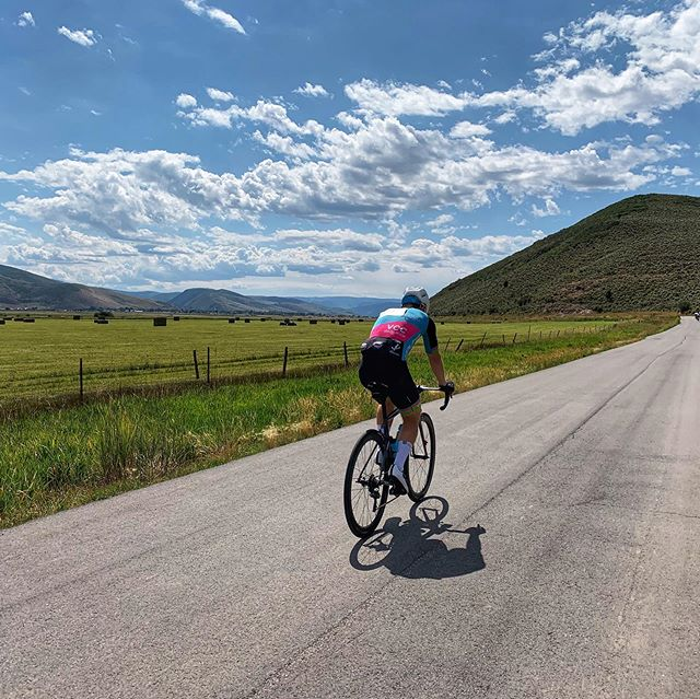 U T A H  @calvincharris spent some time in UT this week with the fellow @volerapparel supported team  @mi_duole_cycling . The trip ended taking on the roads of the @thetourofutah Utlimate Challenge.  This race and riding with the @mi_duole_cycling crew should be a bucket list item for all.