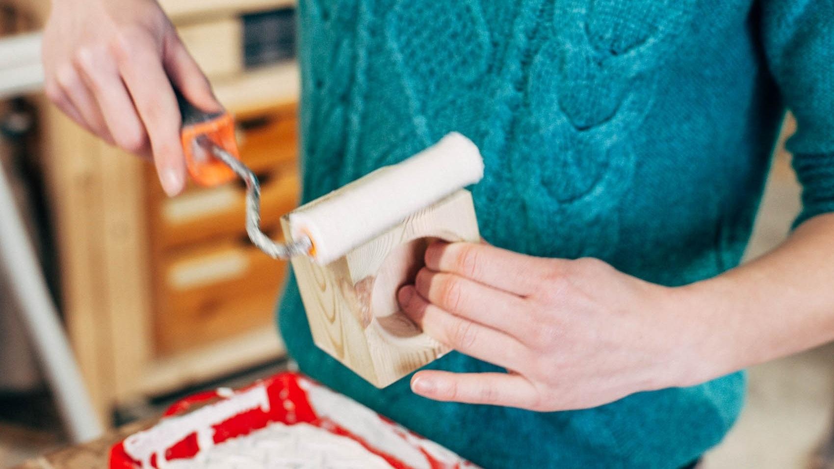 Curso de acabados   A través de este curso aprenderás varios métodos para obtener diferentes resultados según el tipo de madera y el acabado que quieras conseguir.   Próximo Curso:  Pronto más información.   Precio:  € 51