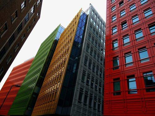 Droit Immobilier - Nous offrons des solutions et stratégies innovatrices pour tout problème concernant les propriétés immobilières. Nous proposons et négocions des contrats de vente et de location. Nous pouvons répondre à vos besoins allant de la location commerciale aux litiges liés à la propriété.