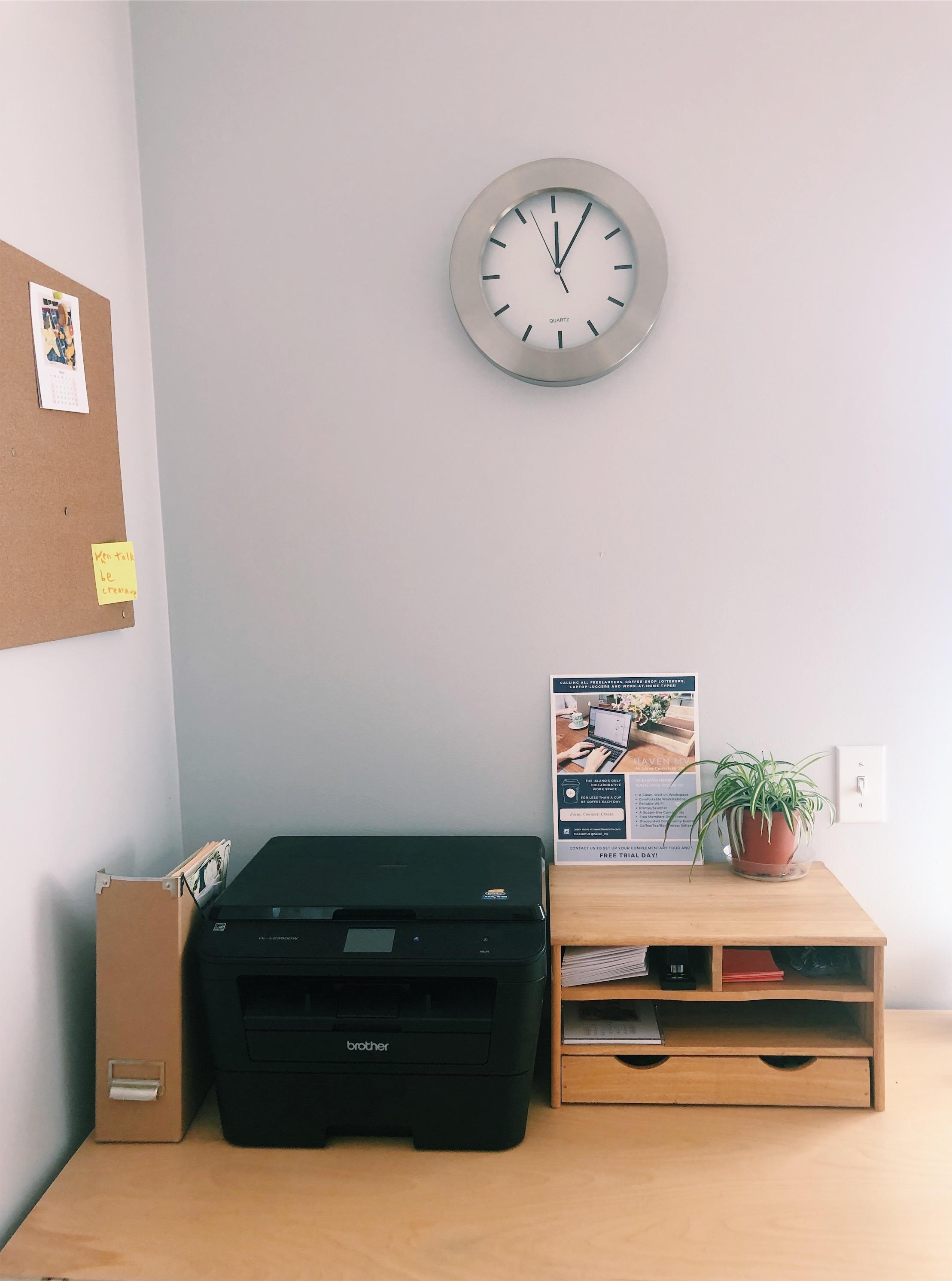 Print/copy station.