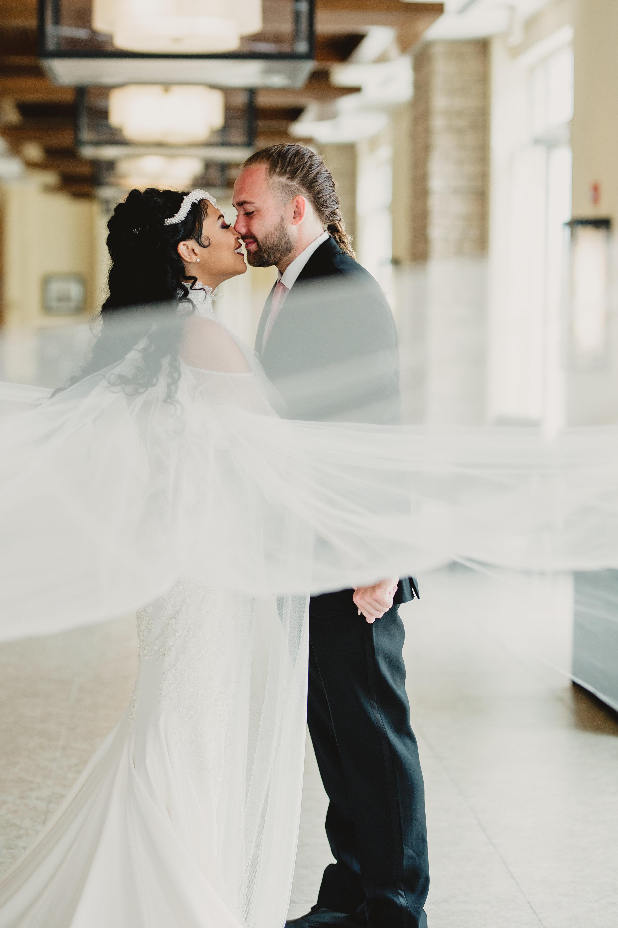 MonaBrock_Wedding_Previews-15.jpg
