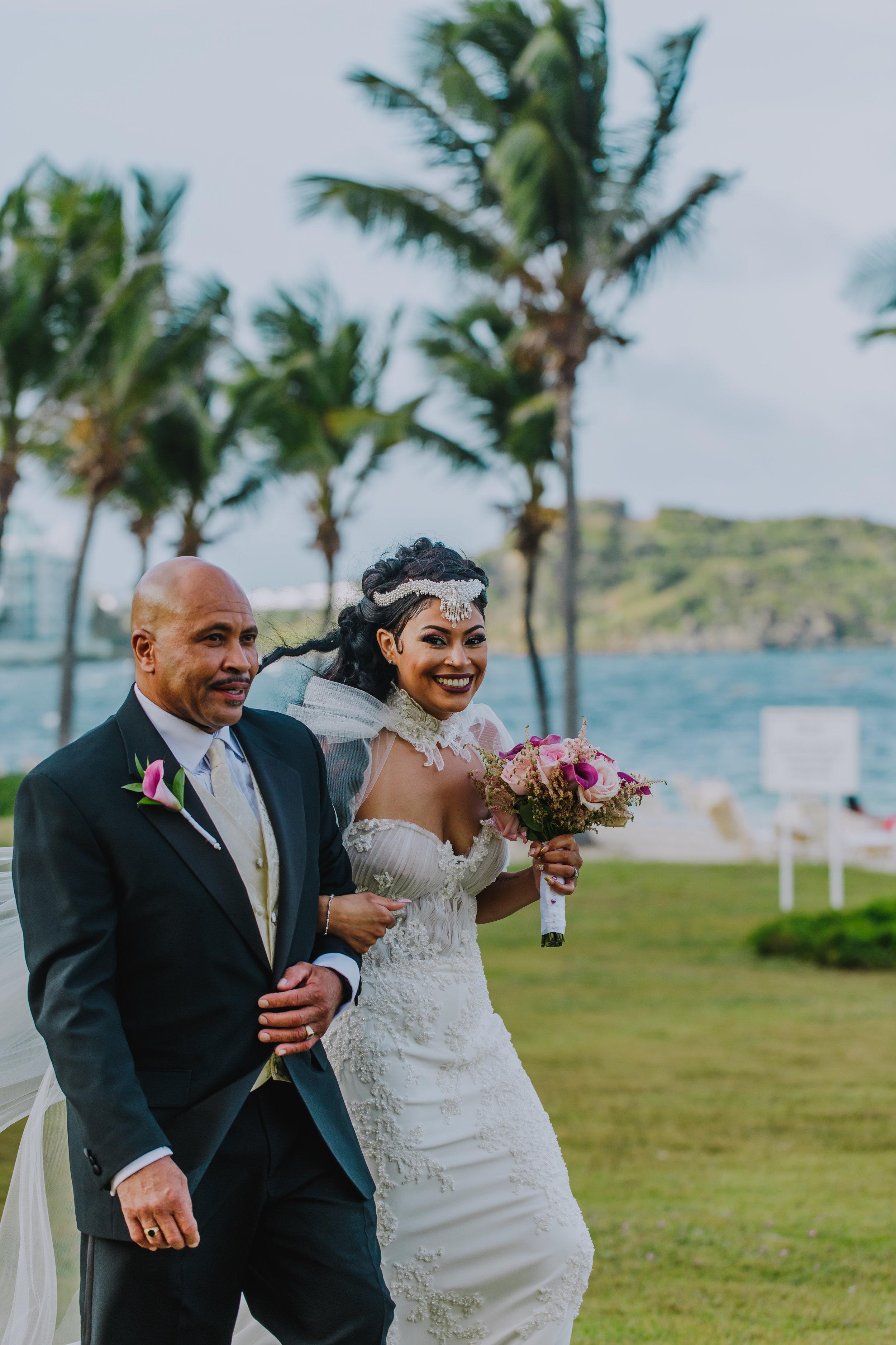 MonaBrock_Wedding_Previews-38.jpg
