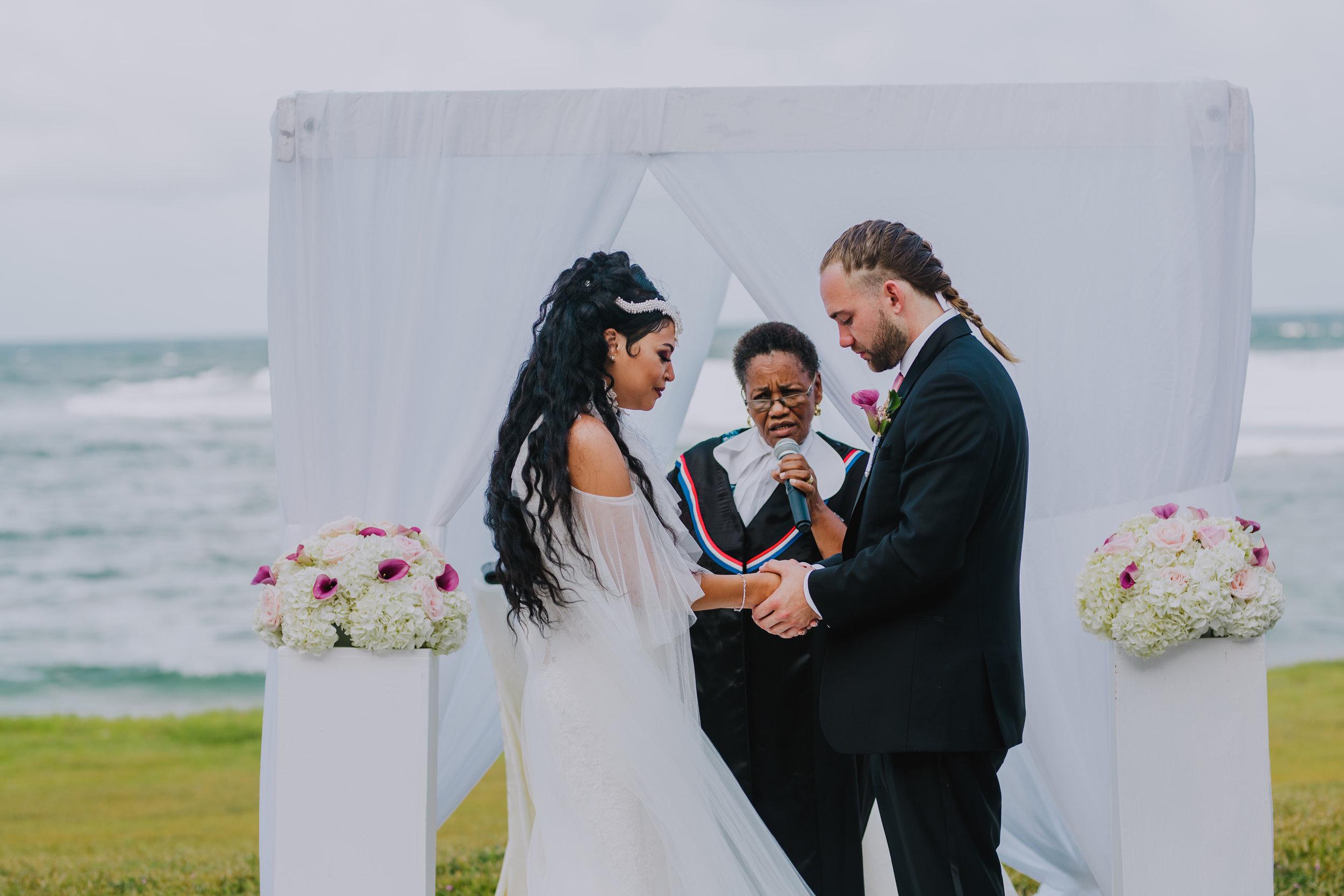 MonaBrock_Wedding_Previews-42.jpg
