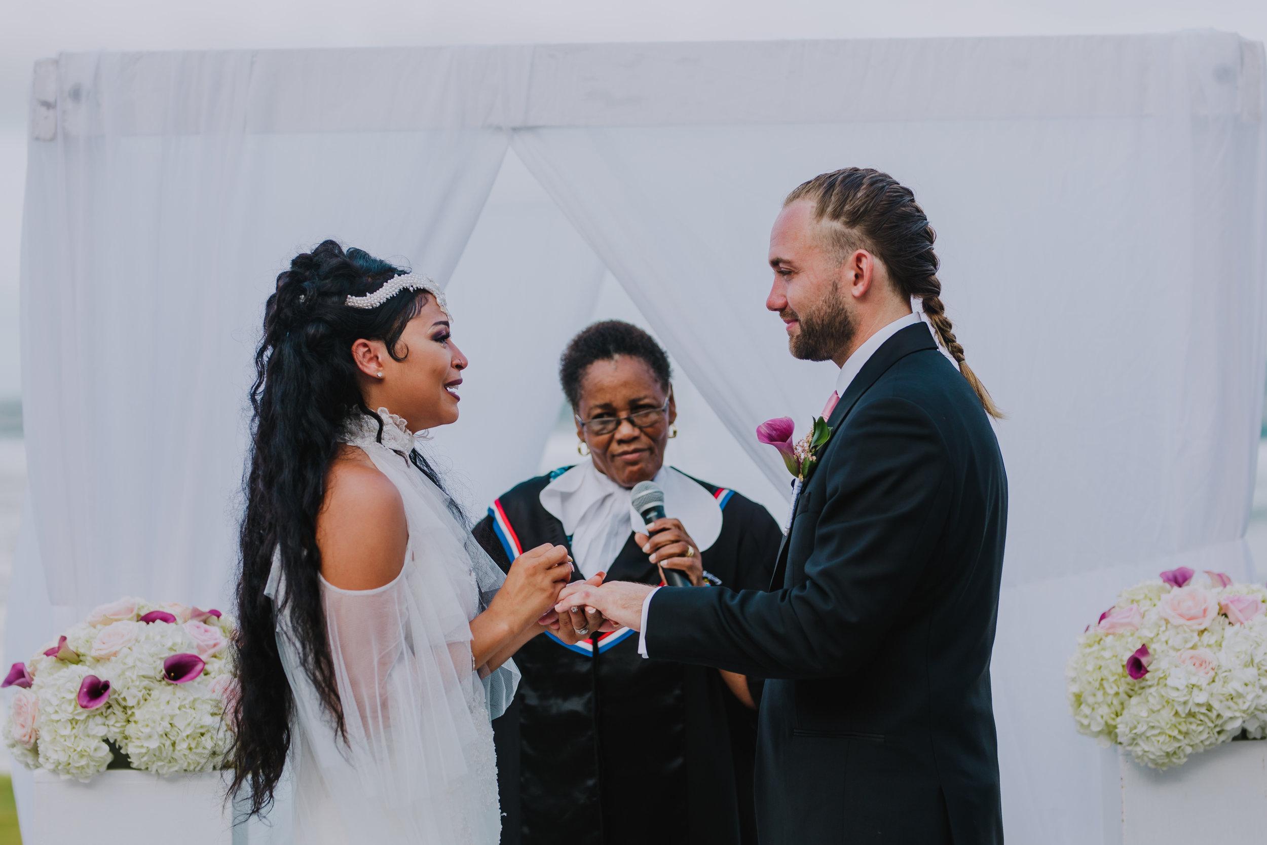 MonaBrock_Wedding_Previews-44.jpg