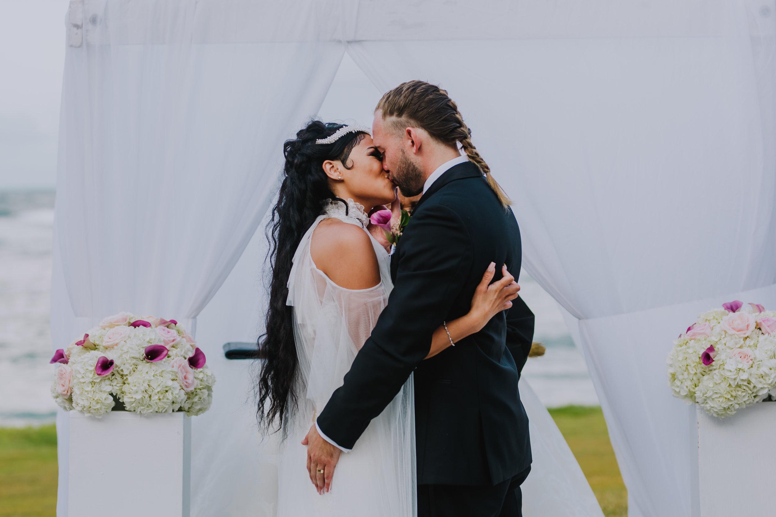 MonaBrock_Wedding_Previews-46.jpg