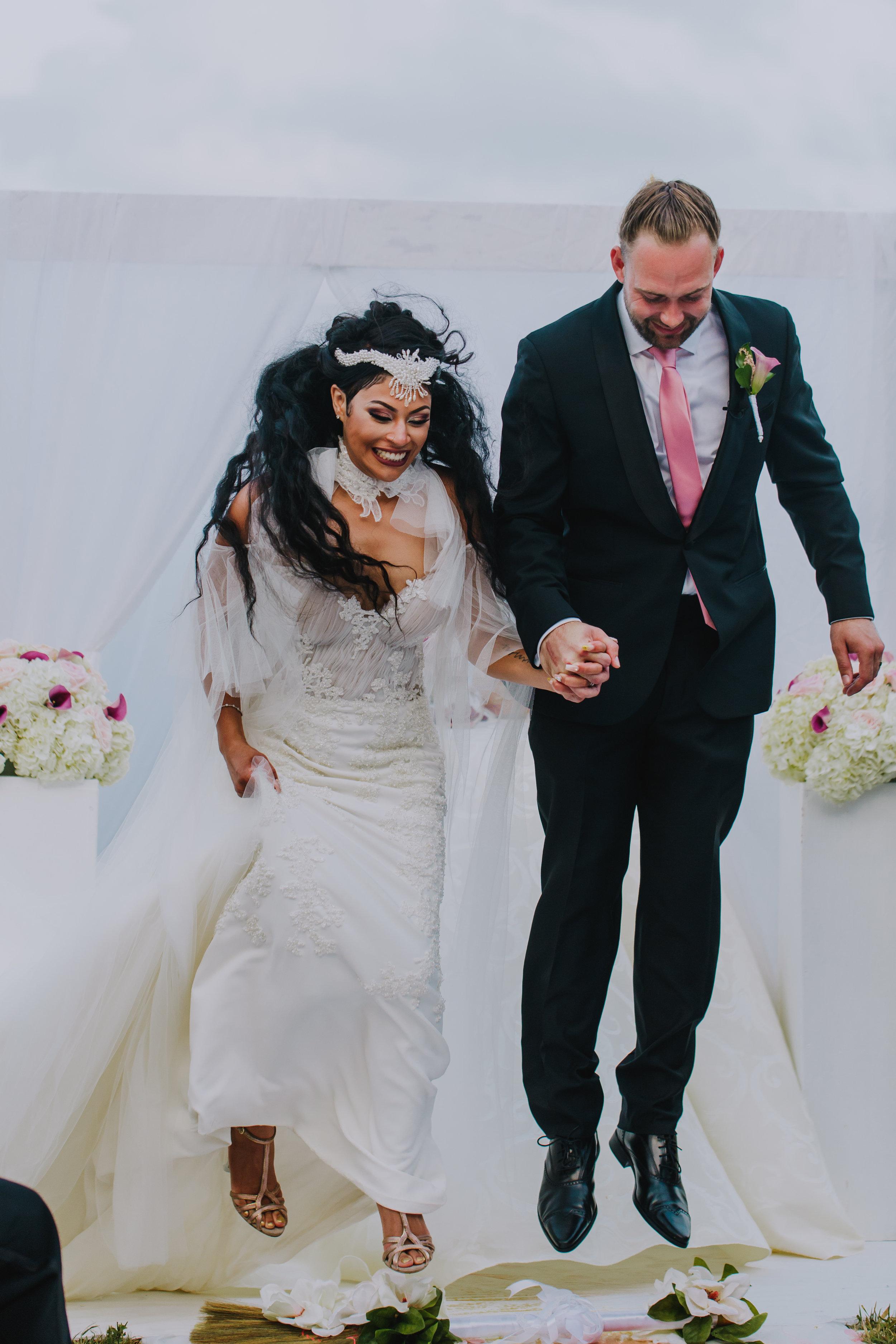 MonaBrock_Wedding_Previews-50.jpg