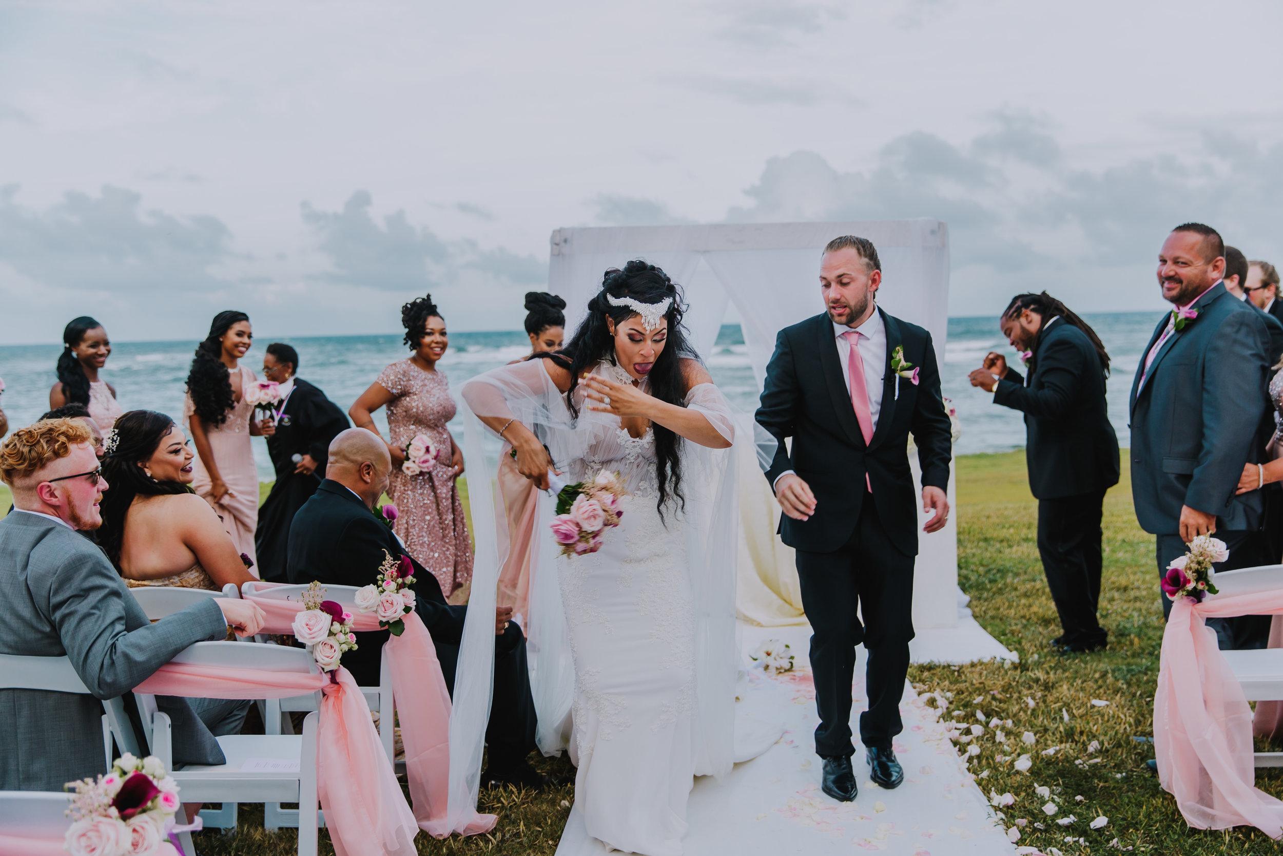 MonaBrock_Wedding_Previews-53.jpg