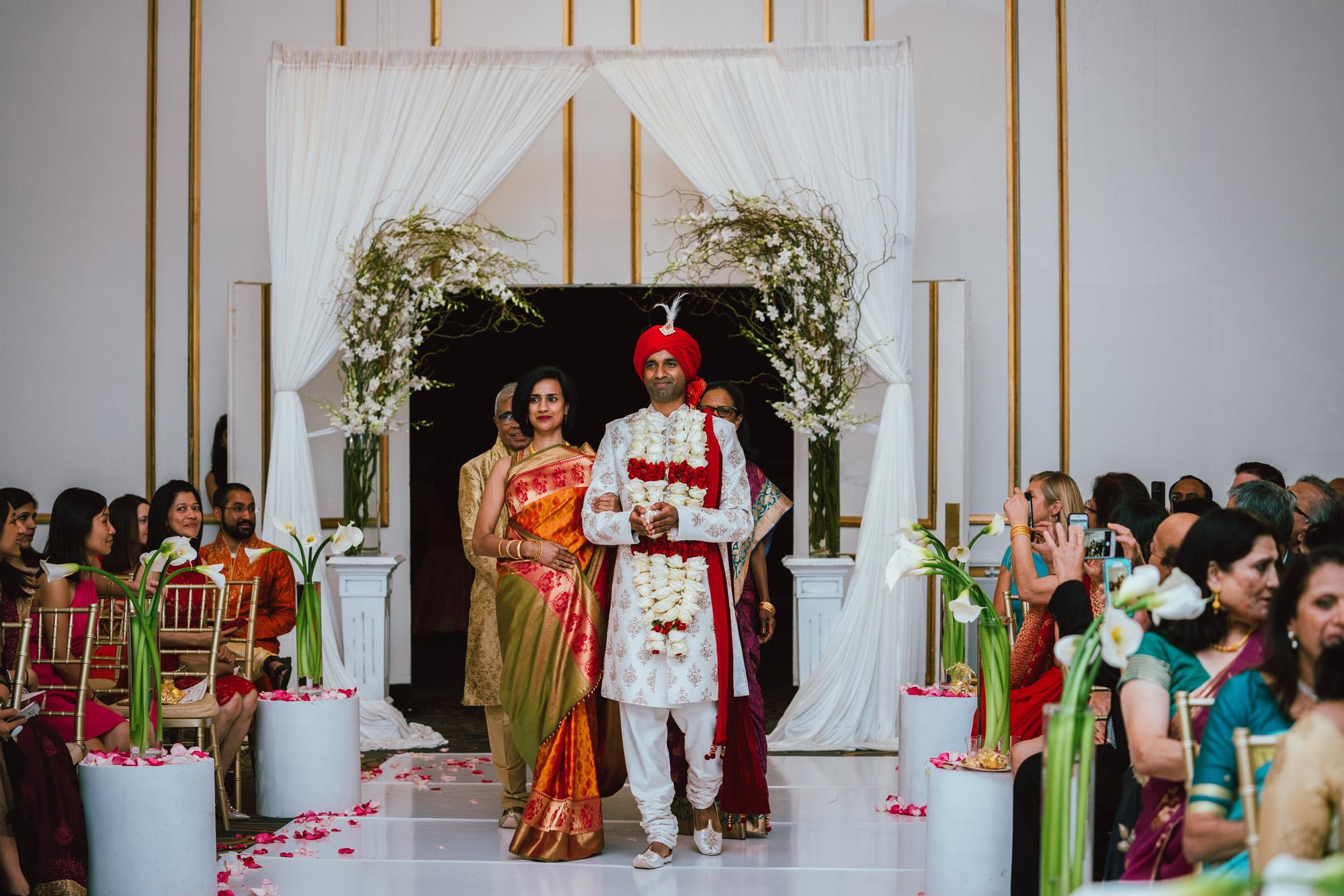 2018_SeetaVivek_Wedding_Previews-36.jpg
