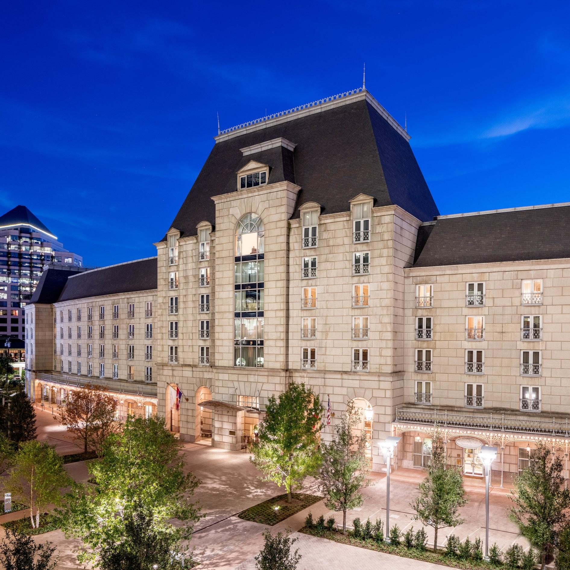 HOTEL CRESCENT COURT -