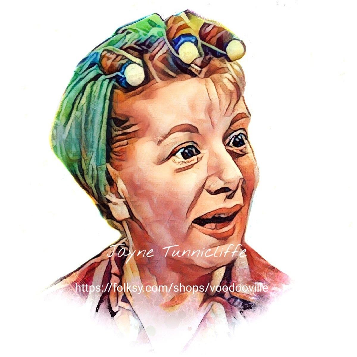 Hilda Ogden.jpg