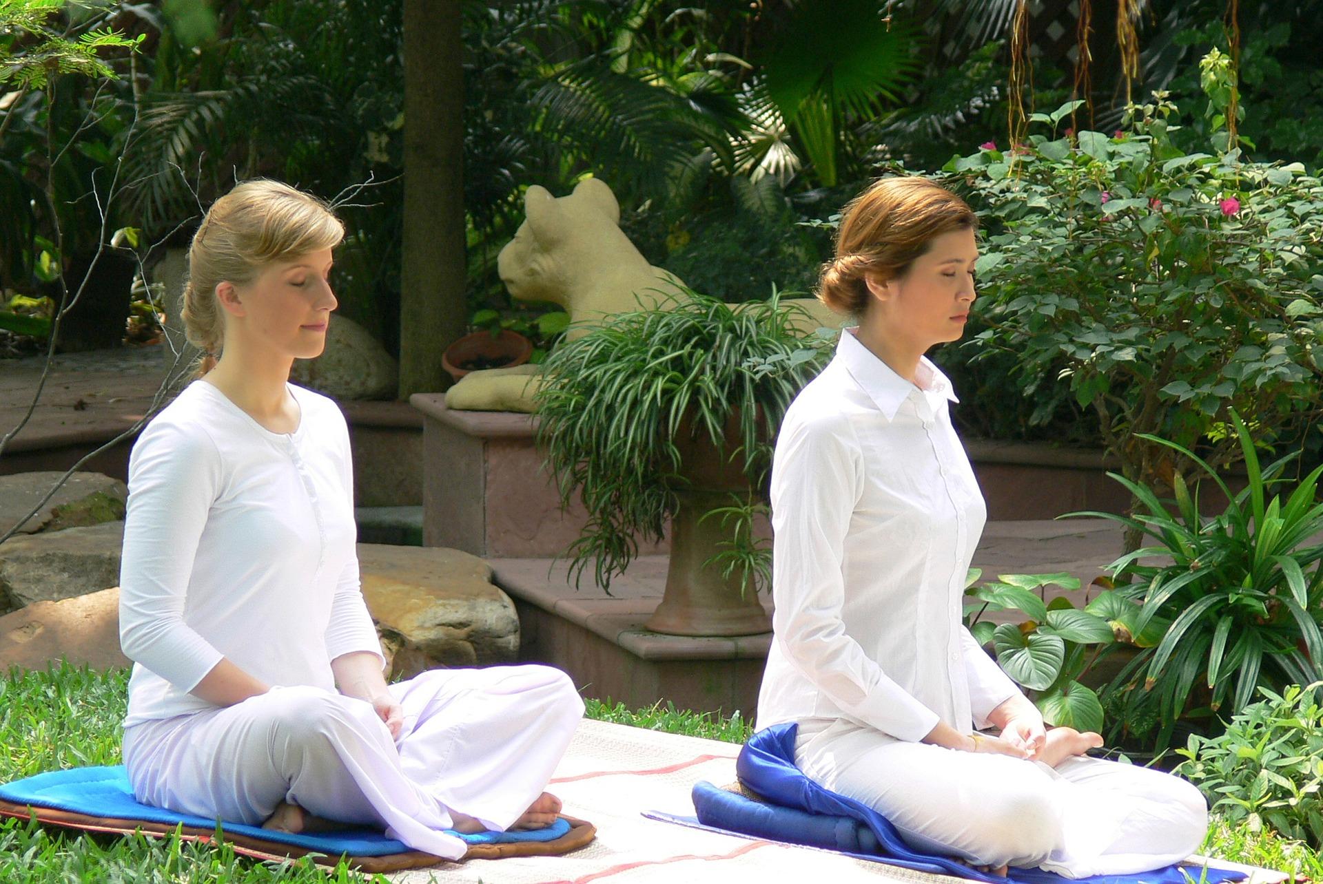 women meditating menopause brain fog memory loss