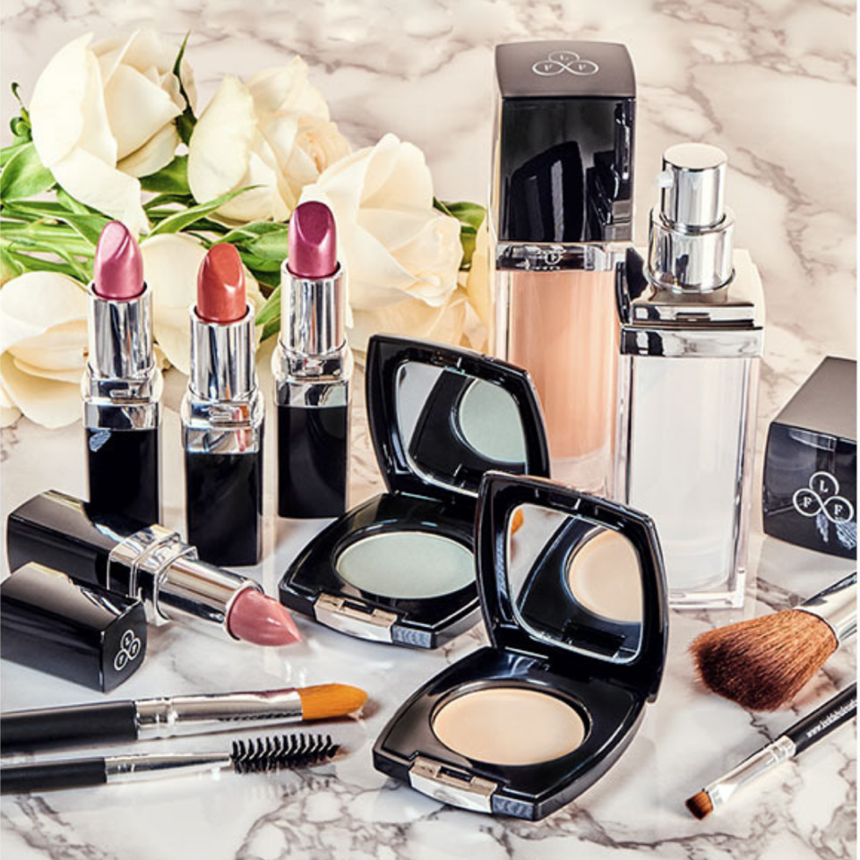 Look Fabulous Forever make-up