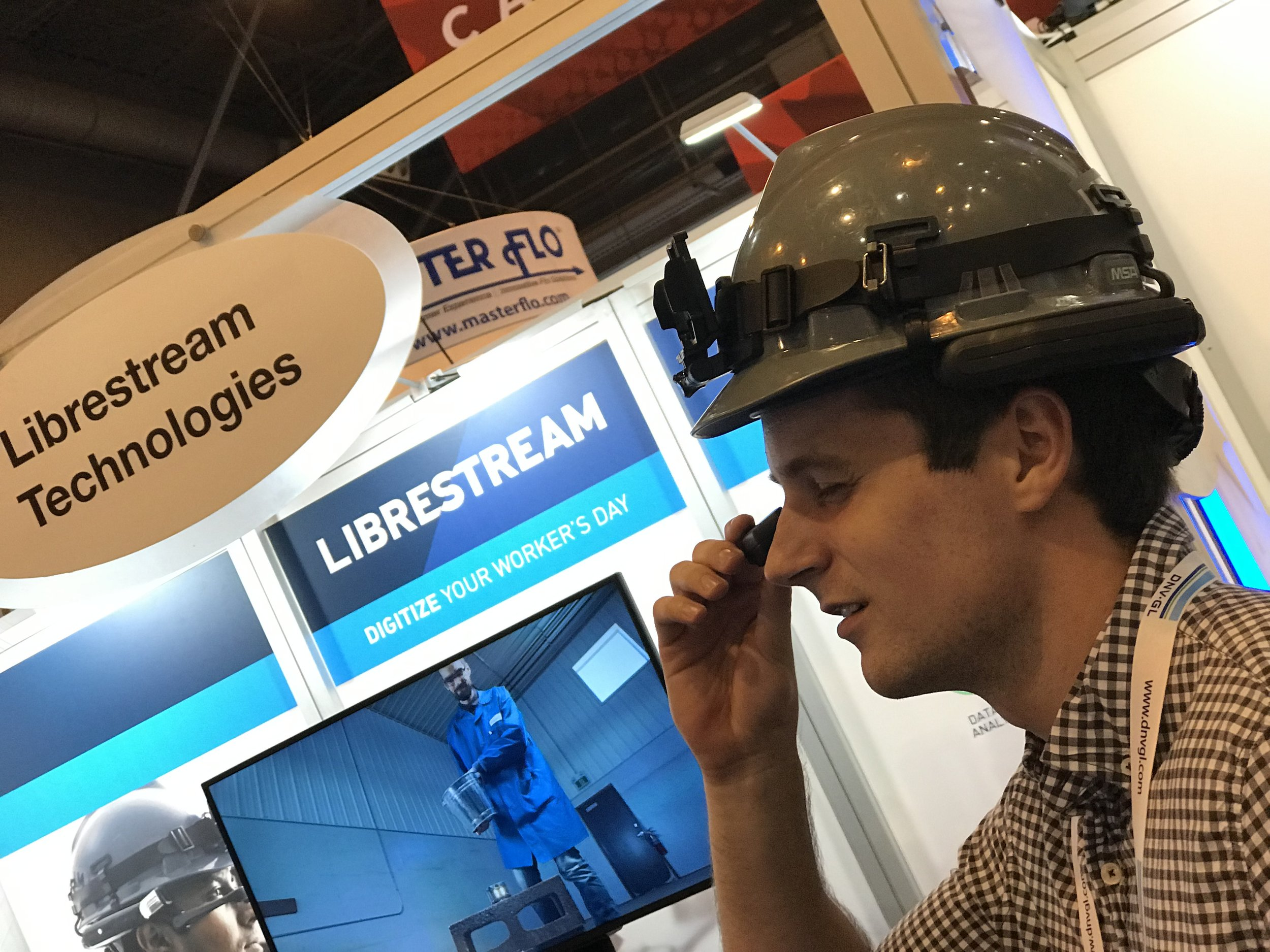 IPOZ_LAB-Librestream-Onsight Connect- Remote Operation - augmented workspace - OTC.JPG